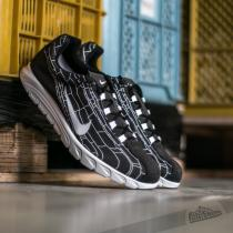 Nike Mayfly Black/ White